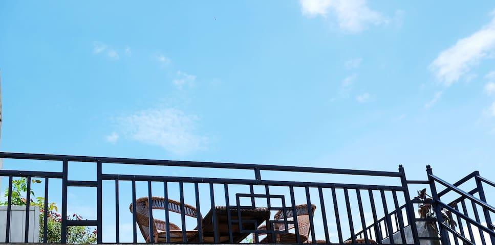 【晴天美宿】山悦观景客栈 安-家庭亲子 加大双床 紧邻美食 2人住 WIFI早餐 连住免费接机 管家 - Baoshan - Apartment