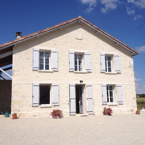 Charmante maison des années 30, en pleine nature