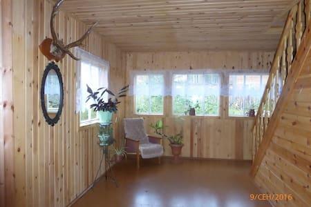 Предлагаем размещение в поселке Горячинск.
