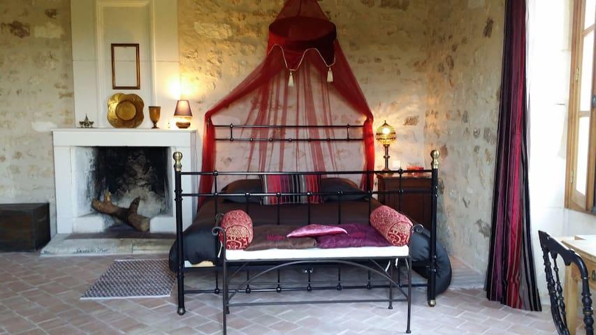 Chambre Pierre Loti - La Gripperie-Saint-Symphorien - Bed & Breakfast