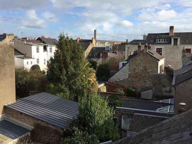 Studio calme et ensoleillé proche de la gare - Nantes - Apartment