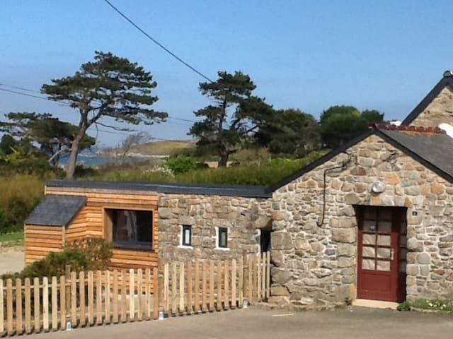 Gîte de charme bord de mer Côtes d'Armor - Pleubian - Loma-asunto