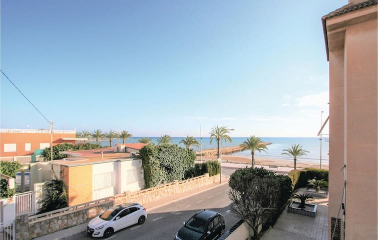 Holiday apartment with 2 bedrooms on 47m² in Santa Pola