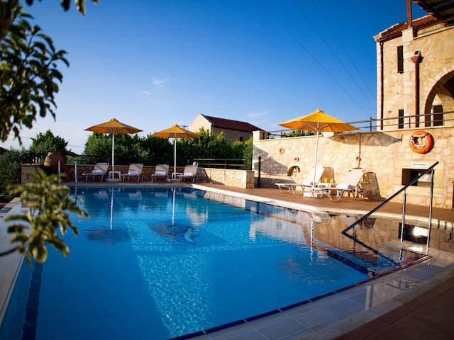 Villa Zara, Almerida, Crete - Almyrida - House