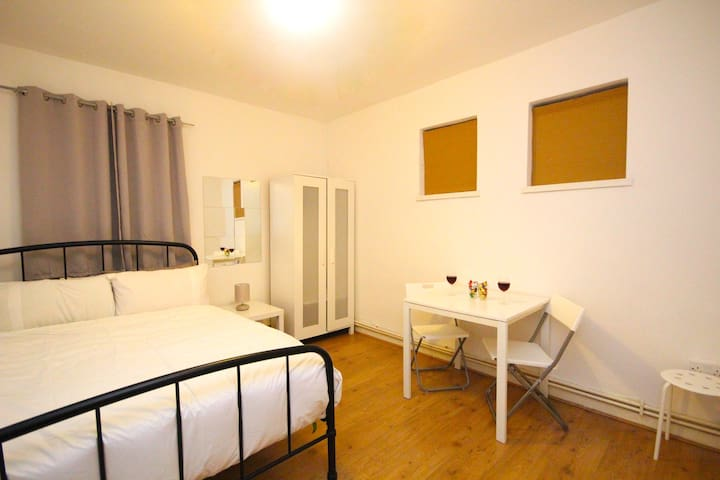 Central London Room (HAV)