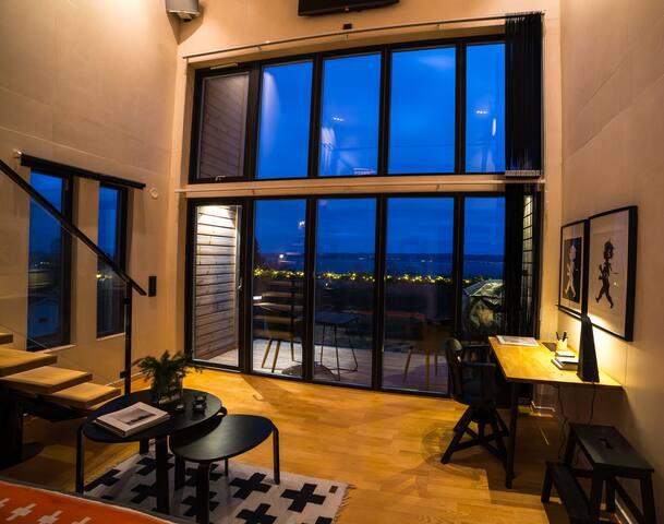 Nivå 84 Loft House with splendid lake view