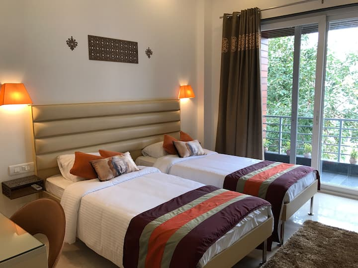 Bed & Oats - Private Bedroom in Gurgaon -2