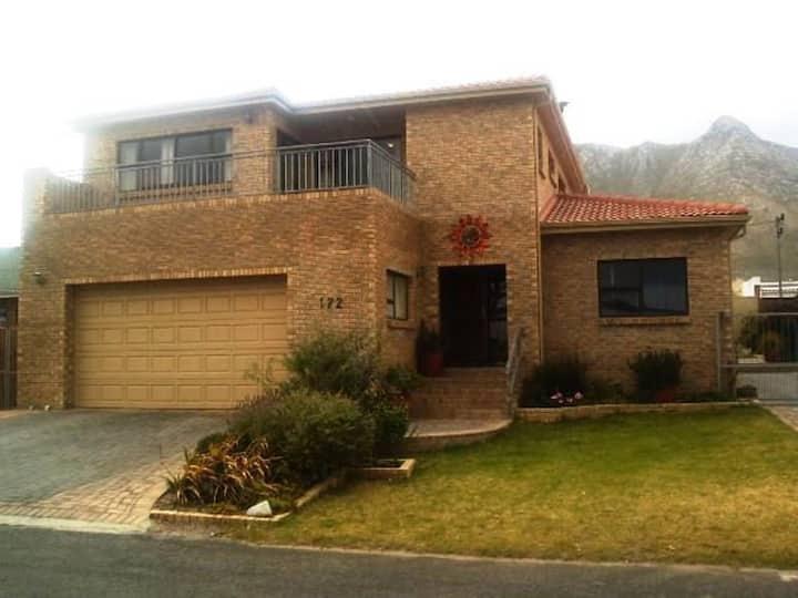 Family home in Kleinmond