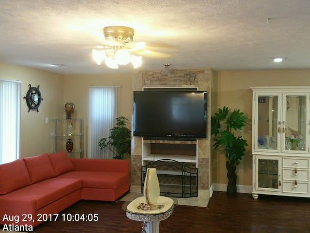 Plush Vacation Rental A2 Room with 1 Parking