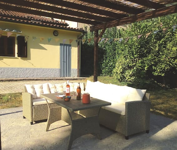 Pergola with garden set. Can seat up to 7 people