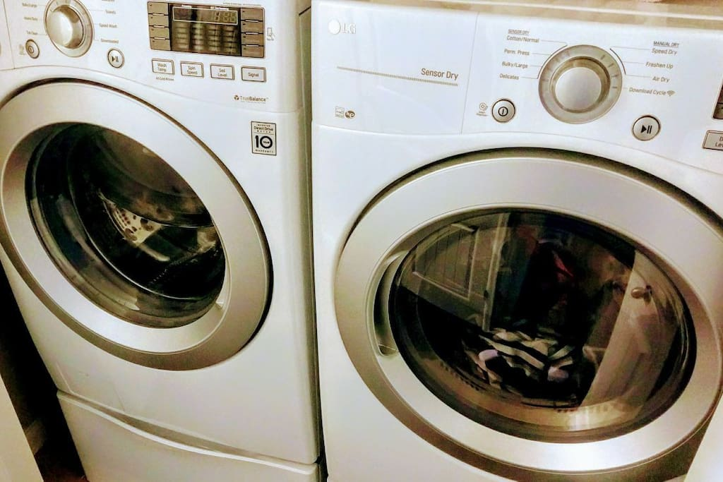 Washer and Dryer  Guests may use ☺