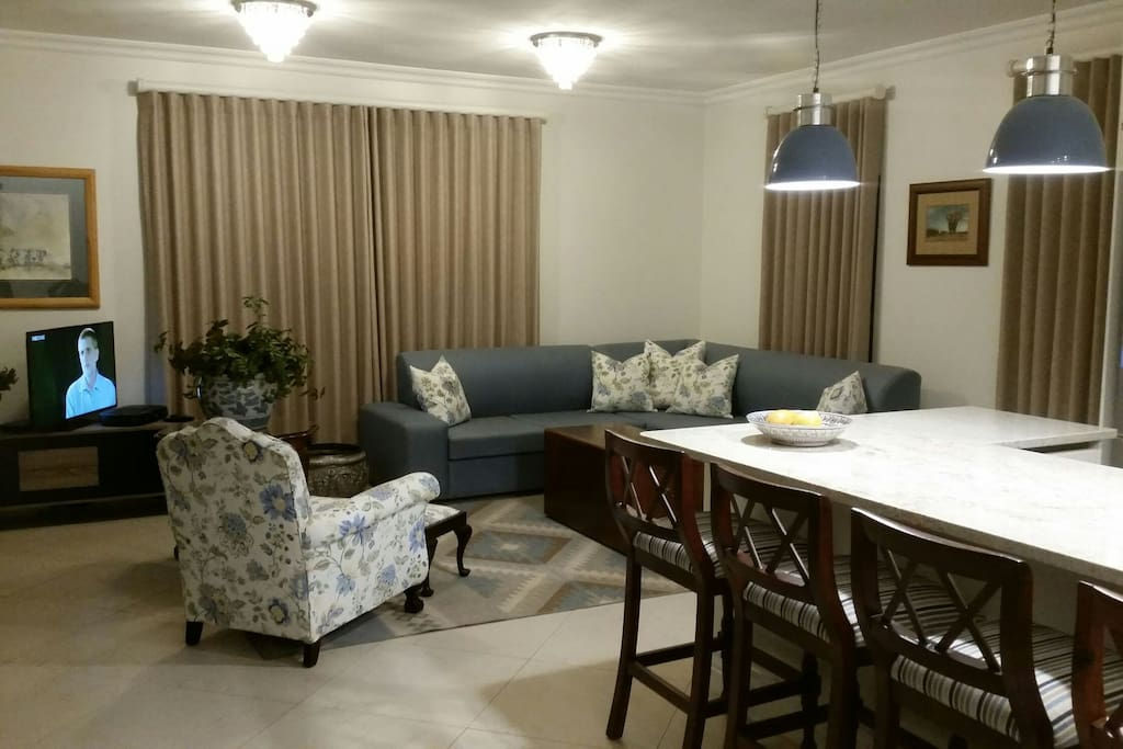 Gorgeous cottage houses for rent in harare harare zimbabwe for Bedroom furniture zimbabwe
