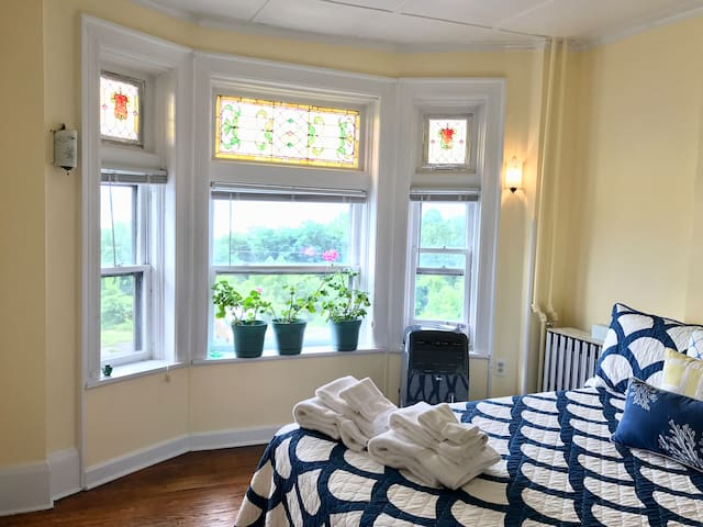 Riversong on the Hudson - Full Private Apartment