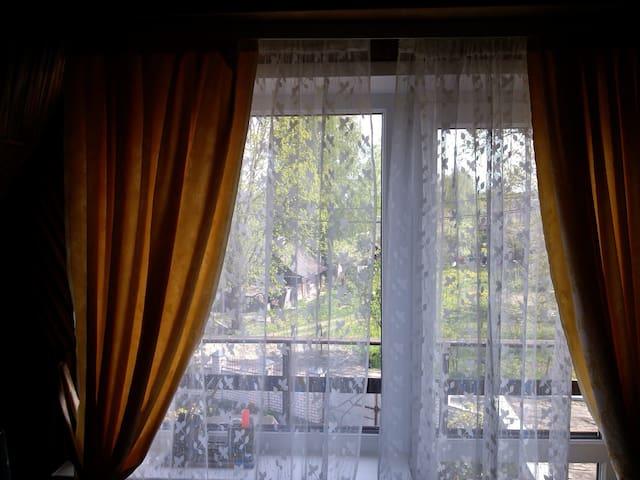 Комната # 4 в частном доме с садом - Ратомка - Huis