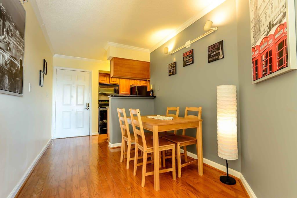 Four Seat Dining Area