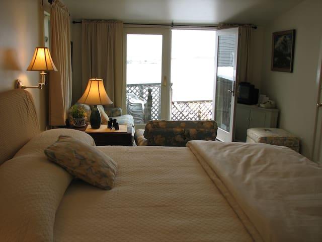 Inn on the Harbor Angelique - Stonington