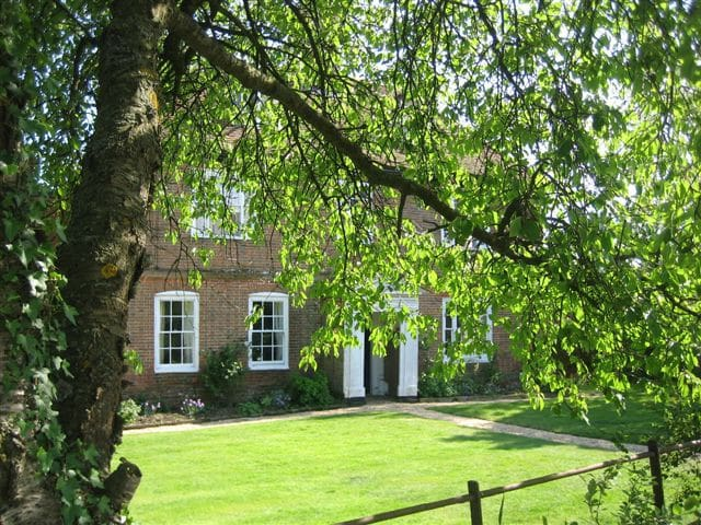 Farm Bed and Breakfast Double Room - Stratfield Mortimer