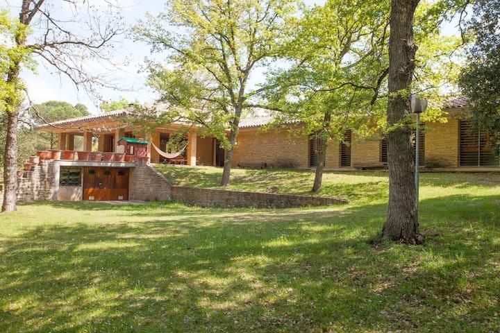Encuentra la tranquilidad en Osona - Sant Julia de Vilatorta - Casa