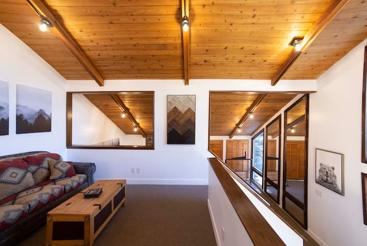 Rustic Ski House, Hot Tub, at Little Cottonwood