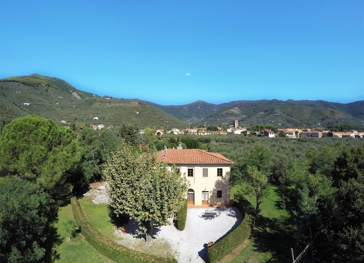 Tuscany | Farmhouse with pool | Pisa-Lucca