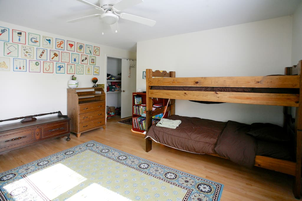 kids room with twin bunk beds