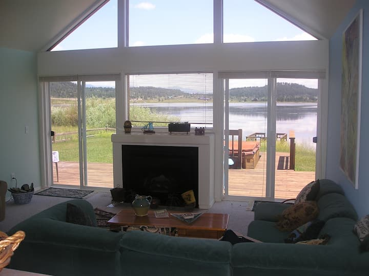 Lakehouse w Open Views, Deck w Hot Tub & Boat Dock