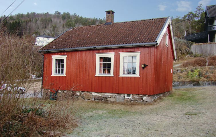Holiday cottage with 2 bedrooms on 75m² in Langangen