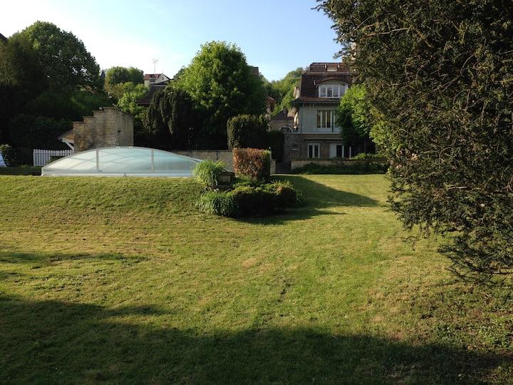 Maison, parc, piscine, 35mn Paris/Versailles
