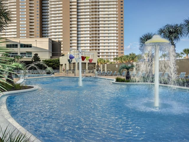 Seaside Rendevouz Beach Condo in Panama City NEW