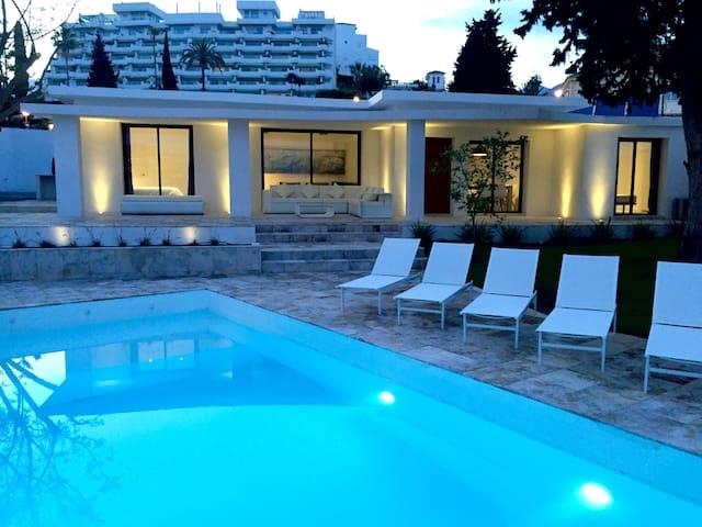 Villa a 150mts del mar con piscina privada y BBQ