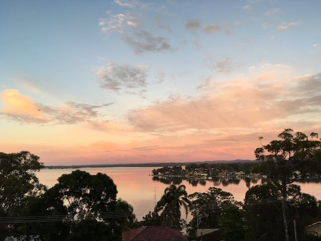 Spectacular Views on Lake Macquarie - Mirrabooka - บ้าน