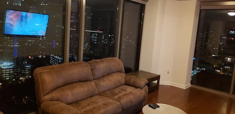 Glass penthouse in the heart of Atlanta 360 view!