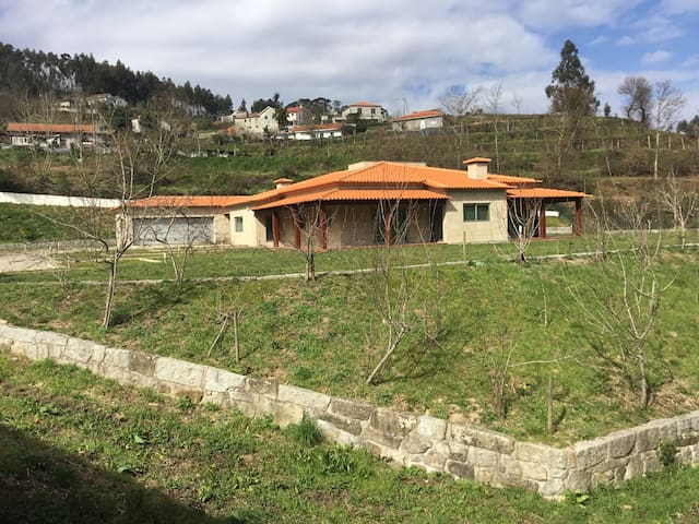 Beautiful house in nature - Close to Porto - Huvila