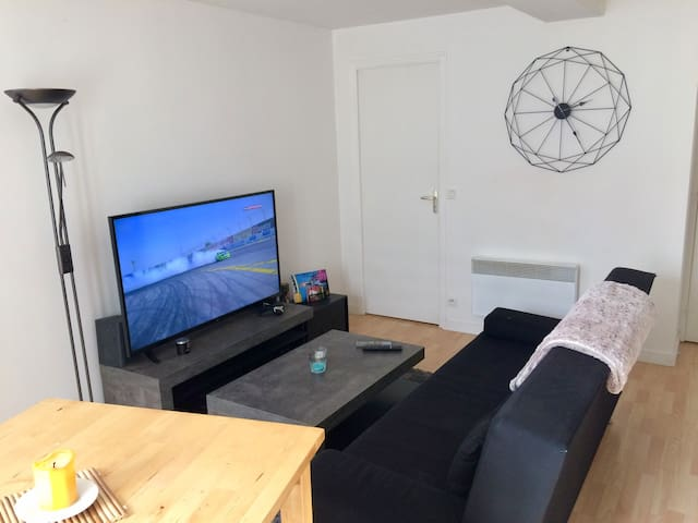Appartement calme au centre de Bourg-des-comptes