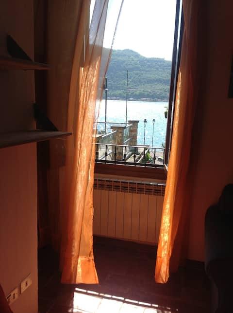 Charmerende studiolejlighed med udsigt over Iseo-søen