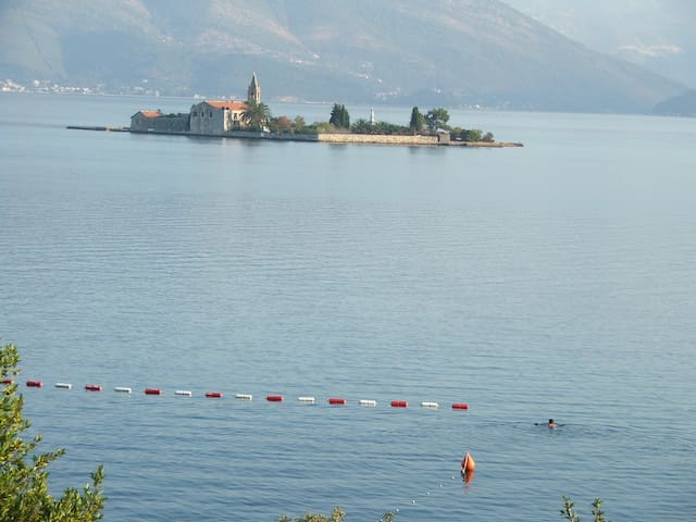 1-Bedroom Apartment with GREAT view - Tivat - Radovici - Appartement