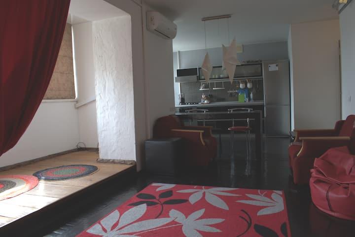 Красивая квартира с видом на Волгу