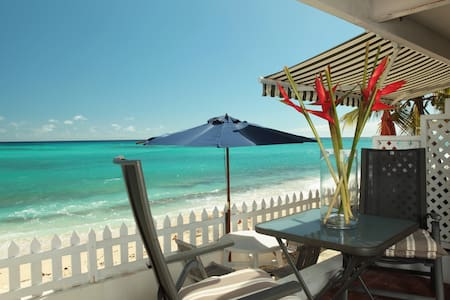 VISTA VILLAS ON THE BEACH - Bridgetown