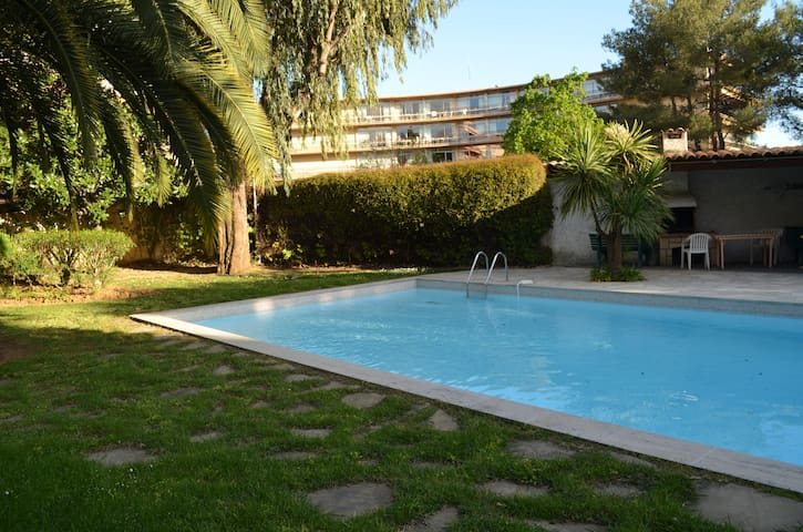 Flat on sea side with swimming pool - St-Laurent-du-Var - Appartement