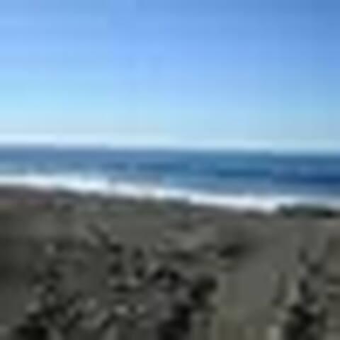 Beach front El Sunzal Point Break Room 2 - El Sunzal - Bed & Breakfast