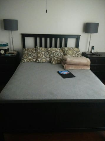 Private room with private bathroom - Weston - Apartment