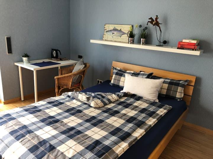 Charmantes Zimmer im modernen Haus