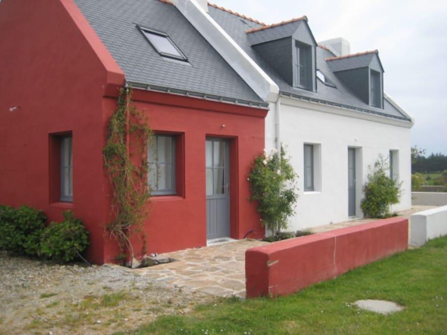 Petite maison  pr 2 personnes avec entrée indépendante, attenante.