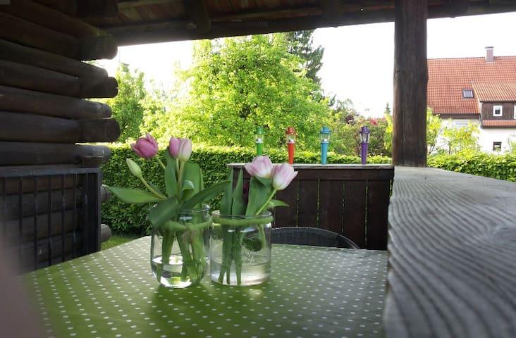 Campinghütte mit FKK Möglichkeit - Meckenbeuren - Houten huisje