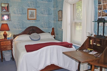 North Room - Double + Single - Bed & Breakfast