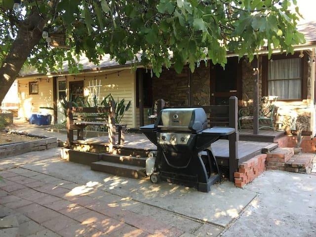 Ione Rose Garden Rustic Ranch 2 Pvt.  BEDROOMs