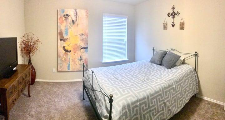 Bedroom near I-30. Suburban Home