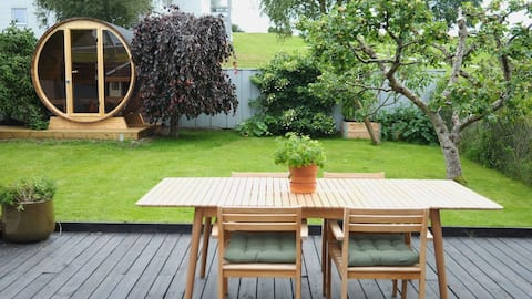 Spacious 2 bedroom apartment with sauna, garden and outdoor shower