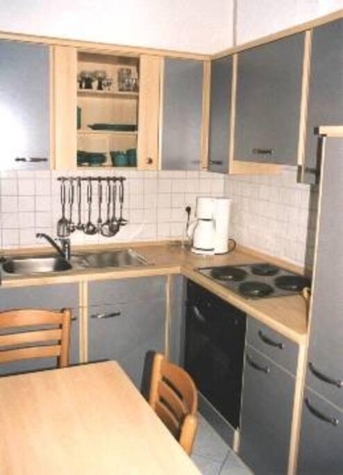 Die separate Küche mit Essplatz