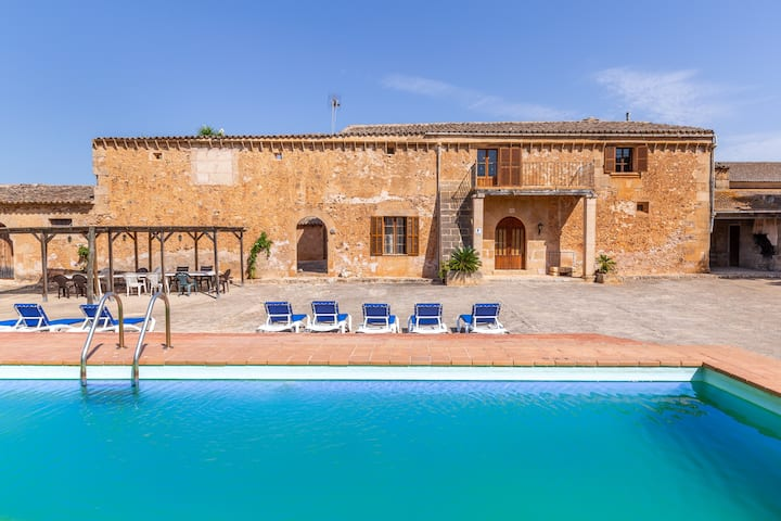 """Spacious and Rustic Holiday Home """"Ses Cases Noves"""" with Pool, Terrace & WiFi; Parking Available"""